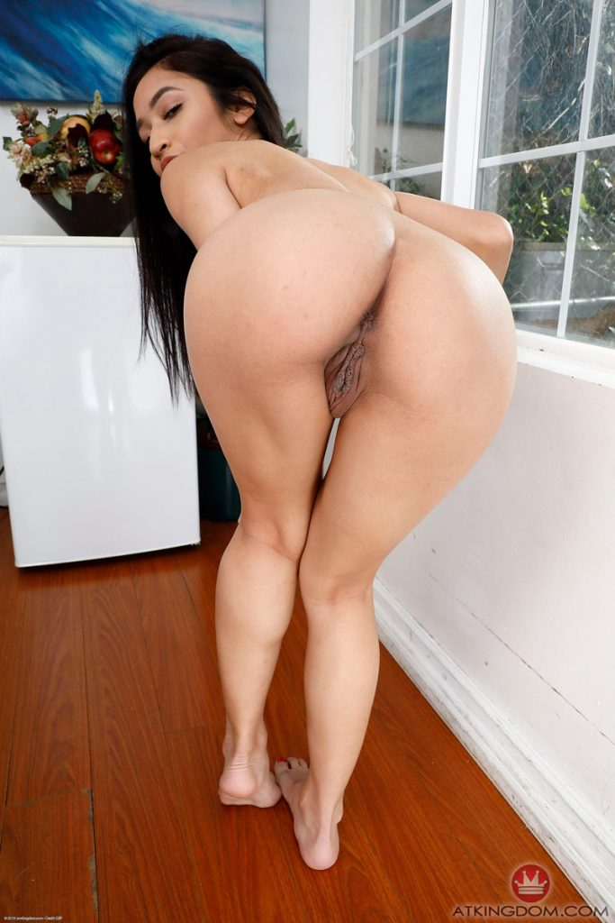 Avery Black Nude