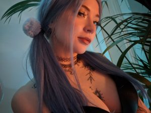 TopSiteCam Eva Ray in pigtails