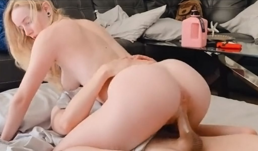 Webcam girl gone wild during a sleepover with her best friend